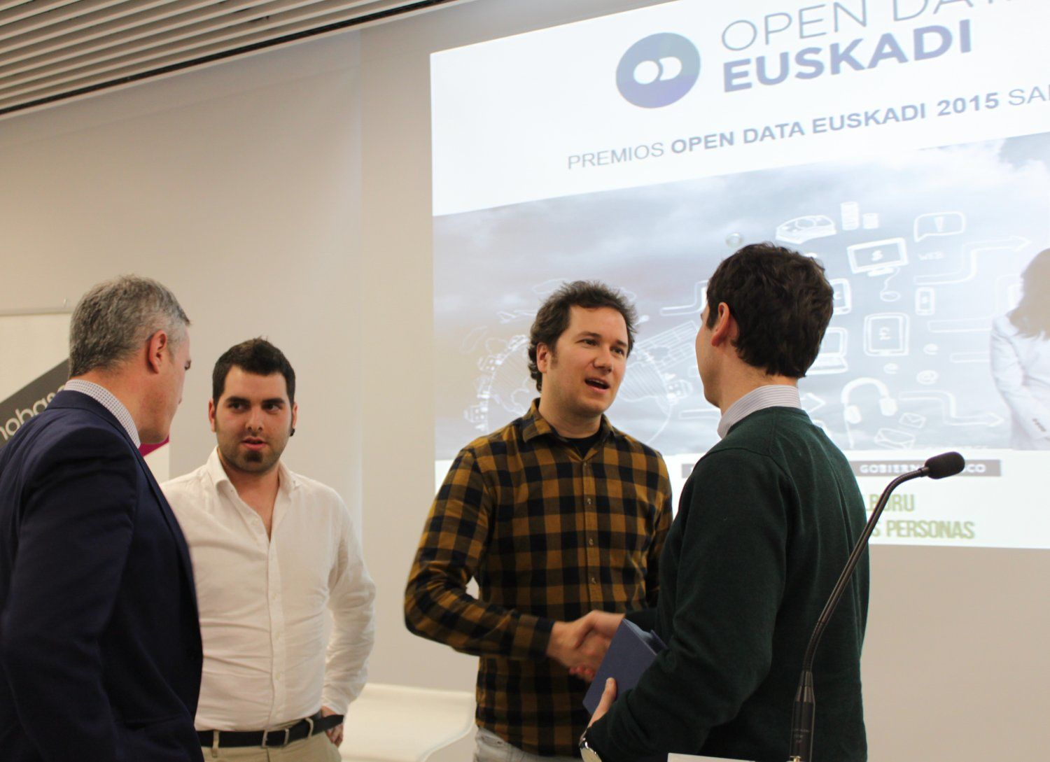Entrega del Premio Open Data Euskadi 2015 a Irontec y The Makery