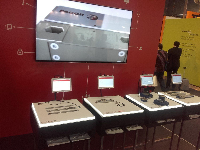 Imagen de la instalación de Fagor con las tabletas lanzando nuestra aplicación.