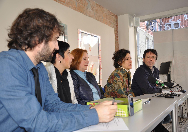 Presentación de la App â??Tribial Feministaâ? en la Casa del Euskara de Bilbao (6/3/2015)