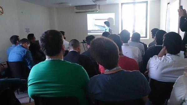 Iker Sagasti, CEO de Irontec, dando una charla sobre Asterisk en OpenExpo Day 2015